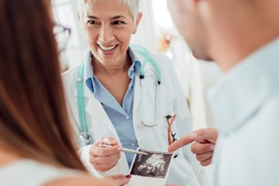 Obstetrician or midwife: how & why to choose