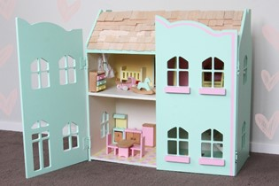 How to: renovate your dolls house