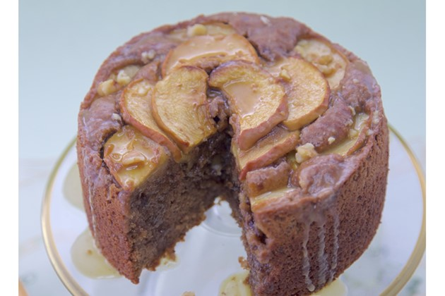 Gluten Free Vegan Apple Glaze Cake:
