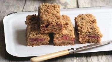 Rhubarb breakfast bar